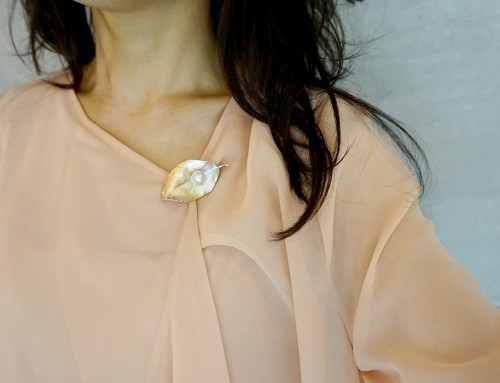 華真珠ブローチペンダント 淡水10mm珠 桜の葉モティーフ(ギャランティカード付)